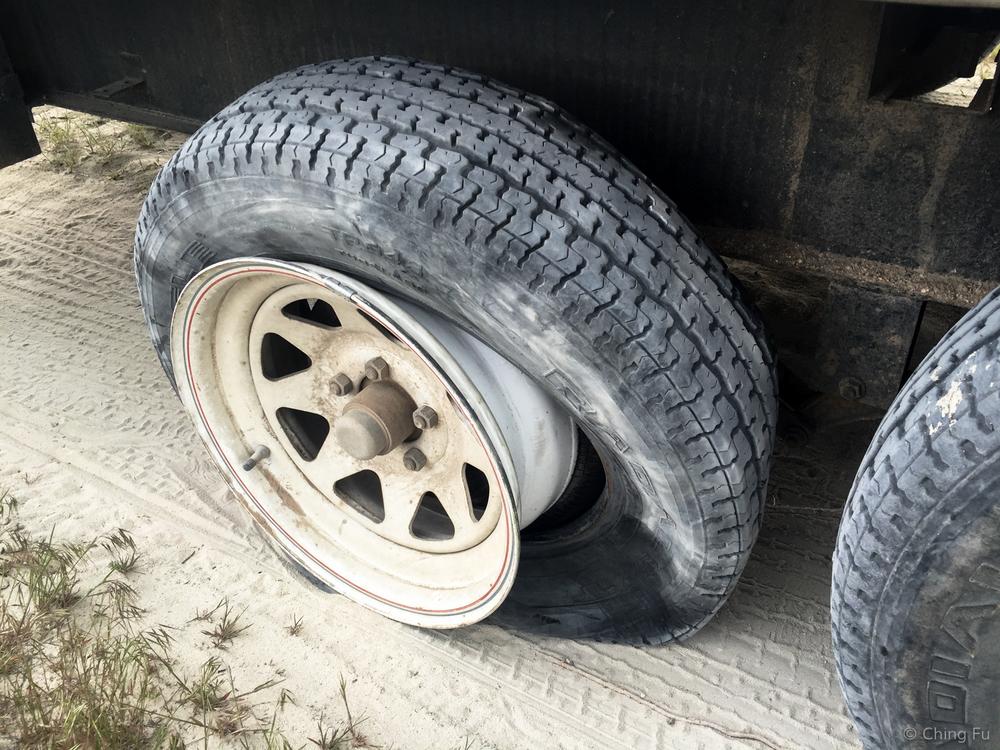 rv-flat-tire